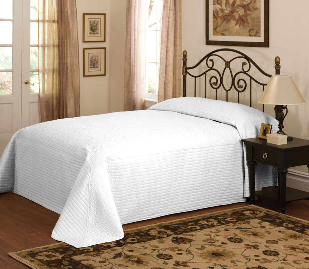 White twin bed set - Bq7168wtqn 4400 Queen Bedspread Color White